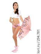 Купить «Девушка с розовым зонтом», фото № 294781, снято 22 сентября 2007 г. (c) Вадим Пономаренко / Фотобанк Лори