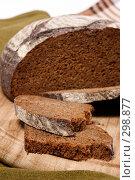 Купить «Булка хлеба», фото № 298877, снято 12 ноября 2004 г. (c) Кравецкий Геннадий / Фотобанк Лори