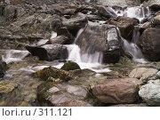 Купить «Полярный Урал. Водопад на реке», фото № 311121, снято 3 августа 2007 г. (c) Роман Коротаев / Фотобанк Лори
