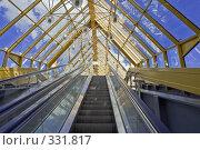 Купить «Интерьер крытого пешеходного Андреевского моста», фото № 331817, снято 18 июня 2008 г. (c) Эдуард Межерицкий / Фотобанк Лори