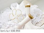 Купить «Свадебные аксессуары», фото № 338993, снято 28 июня 2008 г. (c) Суханова Елена (Елена Счастливая) / Фотобанк Лори