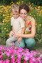 Мать с сыном смотрят на цветы, фото № 340605, снято 23 мая 2017 г. (c) Losevsky Pavel / Фотобанк Лори