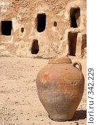 Купить «Древний кувшин на развалинах, Тунис», фото № 342229, снято 14 сентября 2007 г. (c) Татьяна Колесникова / Фотобанк Лори