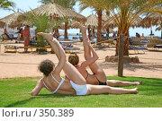 Купить «Женская гимнастика», фото № 350389, снято 15 мая 2007 г. (c) Losevsky Pavel / Фотобанк Лори