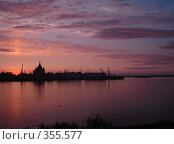 Купить «Малиновый закат», фото № 355577, снято 8 июля 2007 г. (c) Александра Стрижева / Фотобанк Лори