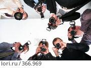 Купить «Папарацци», фото № 366969, снято 18 февраля 2019 г. (c) Losevsky Pavel / Фотобанк Лори