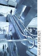 Купить «Интерьер современного здания», фото № 390821, снято 28 ноября 2006 г. (c) Андрей Армягов / Фотобанк Лори