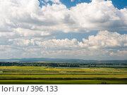 Купить «Летний пейзаж. Кубанские просторы под голубыми небесами и красивыми облаками», фото № 396133, снято 7 августа 2008 г. (c) Федор Королевский / Фотобанк Лори