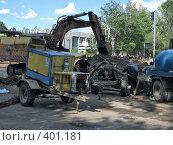 Купить «Ремонтные работы на трубопроводе», фото № 401181, снято 13 августа 2008 г. (c) Геннадий Соловьев / Фотобанк Лори
