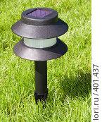 Купить «Фонарь с солнечной батареей», фото № 401437, снято 12 июля 2008 г. (c) Анатолий Заводсков / Фотобанк Лори