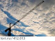 Купить «Подъемный кран на фоне закатного неба», фото № 412013, снято 11 июня 2008 г. (c) Дмитрий Яковлев / Фотобанк Лори