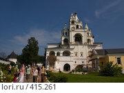 Купить «Звенигород. Саввино-сторожевский монастырь», фото № 415261, снято 13 июля 2008 г. (c) Julia Nelson / Фотобанк Лори