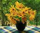 Желтые цветы в синей вазе на окне, фото № 420781, снято 25 августа 2008 г. (c) Наталья Волкова / Фотобанк Лори