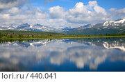 Купить «Озеро Кастык-Хол», фото № 440041, снято 30 июня 2006 г. (c) Serg Zastavkin / Фотобанк Лори