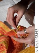 Купить «Вязание крючком», фото № 443997, снято 7 сентября 2008 г. (c) Малютин Павел / Фотобанк Лори