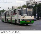 Купить «Автобус № 760 едет по Щелковскому шоссе. Москва», эксклюзивное фото № 451065, снято 3 сентября 2008 г. (c) lana1501 / Фотобанк Лори