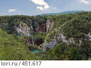 Купить «Плитвицкие озера. Хорватия. Вид на водопад», фото № 451617, снято 16 августа 2008 г. (c) Pukhov K / Фотобанк Лори