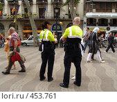 Полиция Барселоны (2008 год). Редакционное фото, фотограф Лариса Дамьян / Фотобанк Лори