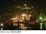 Купить «Ночной порт», фото № 454689, снято 26 мая 2018 г. (c) Владислав Грачев / Фотобанк Лори