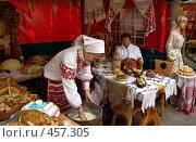 Купить «Про муку, тесто, пироги и добрые и умелые женские руки», фото № 457305, снято 21 сентября 2007 г. (c) Виктор Пелих / Фотобанк Лори