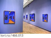 Купить «В художественной галерее», фото № 466013, снято 19 октября 2018 г. (c) Losevsky Pavel / Фотобанк Лори