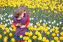 Дети обнимаются среди тюльпанов, фото № 467857, снято 22 августа 2017 г. (c) Losevsky Pavel / Фотобанк Лори