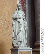 Купить «Статуя Святой Маргариты в венгерской базилке», фото № 491577, снято 21 ноября 2018 г. (c) Ольга Завгородняя / Фотобанк Лори
