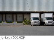Купить «Окна доставки на складе», фото № 500629, снято 4 октября 2008 г. (c) Наталья Герасимова / Фотобанк Лори