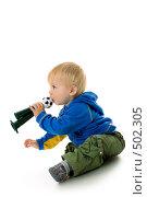 Купить «Годовалый малыш с горном футбольного болельщика», фото № 502305, снято 8 октября 2008 г. (c) Лисовская Наталья / Фотобанк Лори
