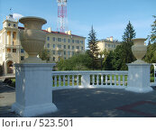 Купить «Парк и жилые дома около старого телецентра в Минске», фото № 523501, снято 1 сентября 2008 г. (c) Римма Радшун / Фотобанк Лори