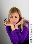 Купить «Девушка с очками», фото № 525445, снято 15 ноября 2018 г. (c) Дианова Елена / Фотобанк Лори