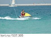 Катание на водном мотоцикле. Дубай (2005 год). Редакционное фото, фотограф Владимир Горев / Фотобанк Лори