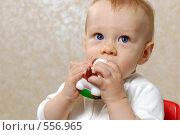 Купить «Ребенок», фото № 556965, снято 23 октября 2008 г. (c) Алексеев Сергей / Фотобанк Лори