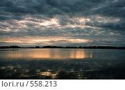 Купить «Озеро и небо», фото № 558213, снято 17 ноября 2018 г. (c) Александр Ерёмин / Фотобанк Лори