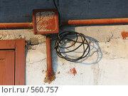Купить «Электропроводка в гаражном кооперативе», фото № 560757, снято 13 ноября 2008 г. (c) Игорь Веснинов / Фотобанк Лори