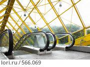 Купить «Эскалаторы. Старый Андреевский мост, Москва», фото № 566069, снято 28 мая 2008 г. (c) Бабенко Денис Юрьевич / Фотобанк Лори