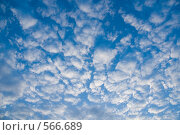 Купить «Облачное небо», фото № 566689, снято 24 августа 2005 г. (c) Юлия Сайганова / Фотобанк Лори