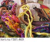 Подбор ниток для вышивания. Стоковое фото, фотограф Ирина Китаева / Фотобанк Лори