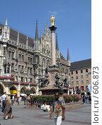 Купить «Новая Ратуша со знаменитыми часами. Мюнхен. Мариенплатц», фото № 606873, снято 28 июля 2008 г. (c) Светлана Кудрина / Фотобанк Лори