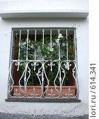 Купить «Окно дома, остров Капри, Италия», фото № 614341, снято 8 июня 2008 г. (c) EVA / Фотобанк Лори