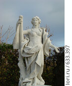 Купить «Скульптура женщины. Вена. Австрия.», фото № 633397, снято 16 ноября 2008 г. (c) Сакмаров Илья / Фотобанк Лори