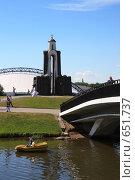 Купить «Минск. Памятник на острове Слёз», фото № 651737, снято 21 июня 2008 г. (c) АЛЕКСАНДР МИХЕИЧЕВ / Фотобанк Лори