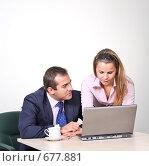 Купить «Коллеги: молодые бизнесмены в офисе», фото № 677881, снято 21 июля 2007 г. (c) Владимир Мельник / Фотобанк Лори