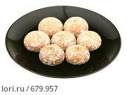 Купить «Пряники на тарелке», фото № 679957, снято 31 января 2009 г. (c) Игорь Веснинов / Фотобанк Лори