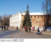 Купить «Здание городской администрации и часть крепостной стены. Смоленск», фото № 685321, снято 3 февраля 2009 г. (c) Примак Полина / Фотобанк Лори