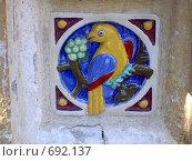 Птица на церкви в Ярославле (2005 год). Редакционное фото, фотограф Murat Valiev / Фотобанк Лори