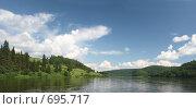 Купить «Панорамный вид с белыми облаками над Вишерой», фото № 695717, снято 12 июля 2008 г. (c) Максим Стриганов / Фотобанк Лори