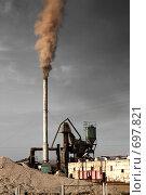Грязное производство - асфальтовый завод. Стоковое фото, фотограф Михаил Коханчиков / Фотобанк Лори