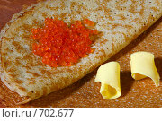Купить «Блины с красной икрой. Крупный план», фото № 702677, снято 9 февраля 2009 г. (c) Татьяна Белова / Фотобанк Лори