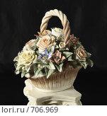 Купить «Керамическая ваза с цветами», фото № 706969, снято 28 января 2009 г. (c) Никончук Алексей / Фотобанк Лори